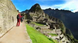 Superior Inca Trail vs Cheap Inca Trail